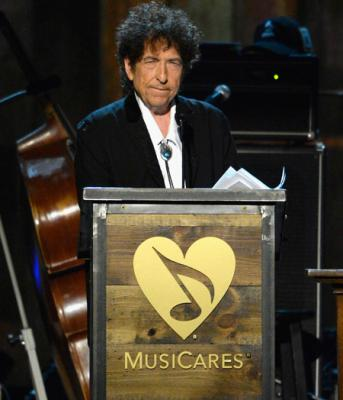 El emotivo discurso de Bob Dylan al recibir el Premio MusiCares Person of the Year 2015