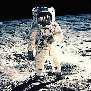 A 35 años de la llegada del hombre a la luna