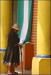 Bolivia: Poder y Crisis